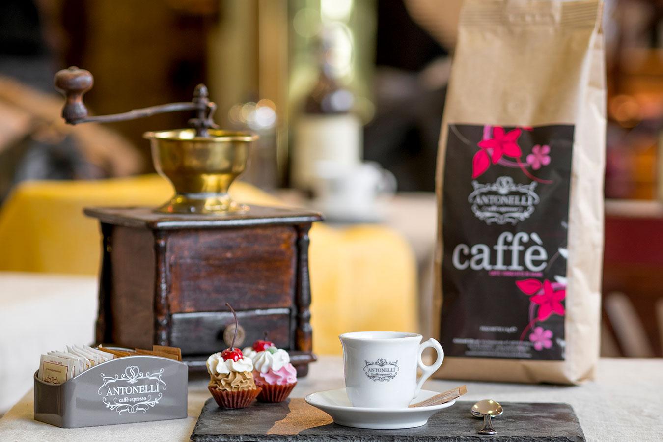 Caffé Antonelli con Macinino